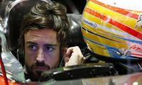 aaa Alonso i sittbrunnen.jpg