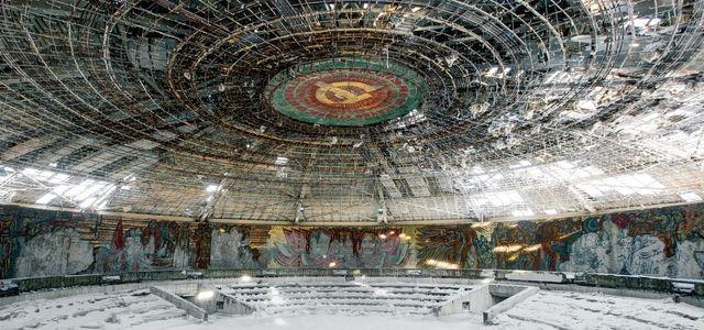 15 spöklika bilder från övergivna byggnader i gamla Sovjet