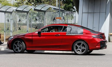 Mercedes C-klass Coupé visar upp sig utan maskering