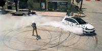 Volkswagen Golf GTI + rallycrossförare = vild reklamfilm!