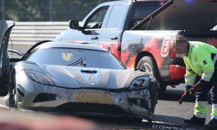 Koenigsegg kraschar på Ringen – två till sjukhus