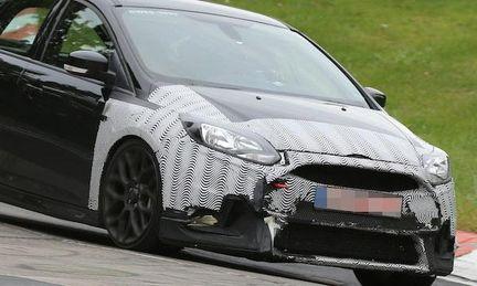 Spionbilder: Ford Focus RS testkörs på Nürburgring