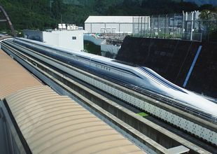 Provåk världens snabbaste tåg i 500 km i timmen