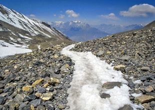 Nepal skärper reglerna efter vandringskatastrof